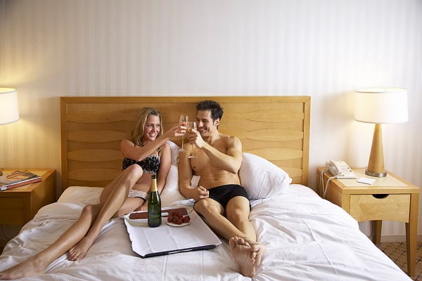 making contact online dating