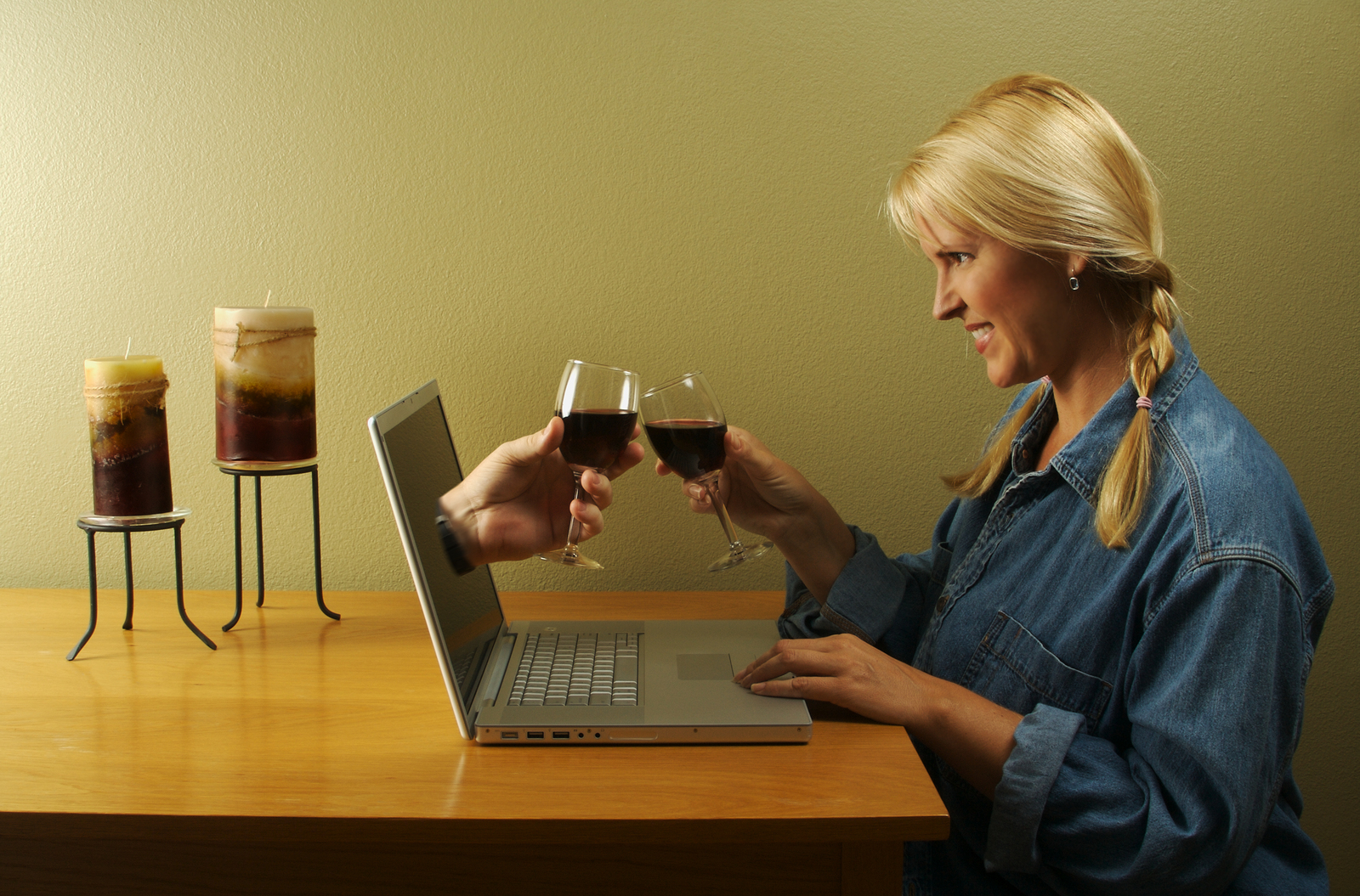 Your Behavior with Online Dating Partner for Start Affair